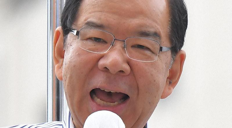参院選が公示され、第一声を上げる共産党の志位和夫委員長=東京都新宿区で2019年7月4日午前10時25分、滝川大貴撮影