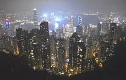 高層ビル群が建ち並ぶ香港の夜景。日本から輸出される農林水産品や加工食品の総額で、国・地域別トップに立つ=香港のビクトリア・ピークから2019年6月23日午後9時48分、福岡静哉撮影