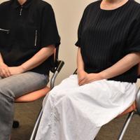 最高裁判決を前に事件から6年の思いを語る遺族の姉妹=山口県内で2019年7月4日、平塚裕介撮影