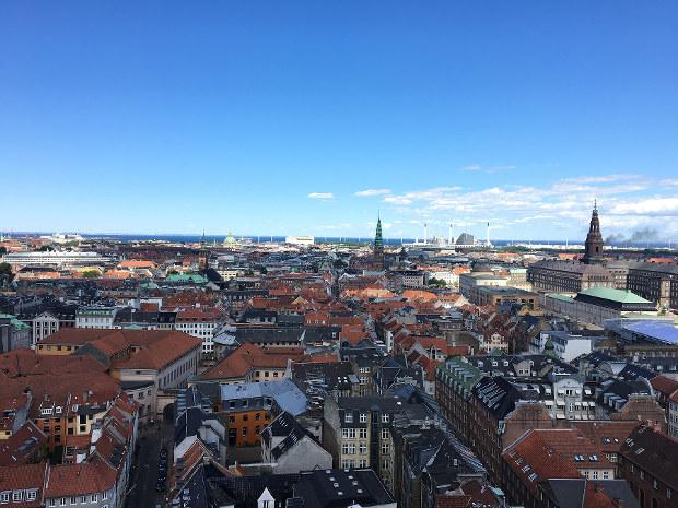 青空を維持するためのコストは?(デンマークの首都コペンハーゲン)