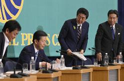 「伝家の宝刀」は秋の国会でも威力を見せるか(東京都千代田区の日本記者クラブで、7月3日)