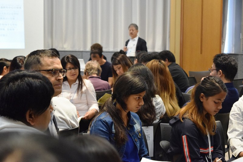 Multilingual sessions help foreigners understand Japan's