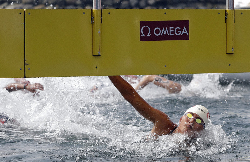 Xin wins 10-kilometer open water swim at world championships