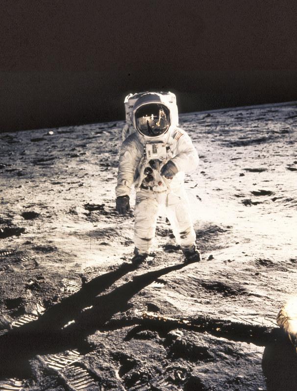 ニュース知りたいんジャー:アポロ着陸から50年 競争と協力で進む月 ...