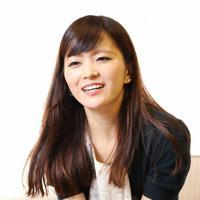 マリンバ奏者の岡村彩実さん=大阪市北区で、梅田麻衣子撮影