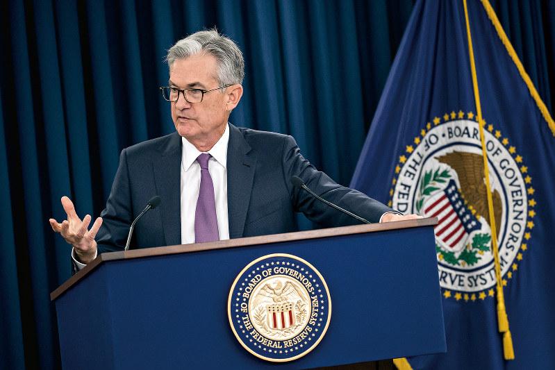 ハト派的なスタンスを示したFRBのパウエル議長(Bloomberg)