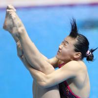 女子3メートル板飛び込み準決勝、三上紗也可の4回目の演技=韓国・光州で2019年7月19日、宮武祐希撮影