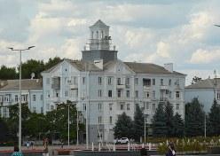 5年前には武装勢力に占拠されたクラマトルスク市の中心部だが、平穏を取り戻していた=2019年7月11日、大前仁撮影
