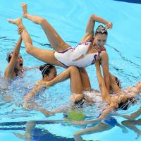 フリーコンビネーション決勝で演技する日本の選手たち=韓国・光州で2019年7月20日、宮武祐希撮影