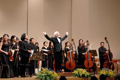 フェスティバル・オーケストラと鈴木雅明 (C)Hikaru Hoshi