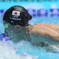 女子200メートル個人メドレー準決勝、全体6位で決勝に進出した大橋悠依のバタフライ=韓国・光州で2019年7月21日、宮武祐希撮影