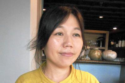 『じいじが迷子なっしゃった』の著者、城戸久枝さん=東京都千代田区で、栗原俊雄撮影