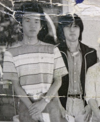 Yoshiji Kigami, right, and Kiyotaka Moriwaki are seen in this photo taken when they were younger. (Photo courtesy of Kiyotaka Moriwaki)