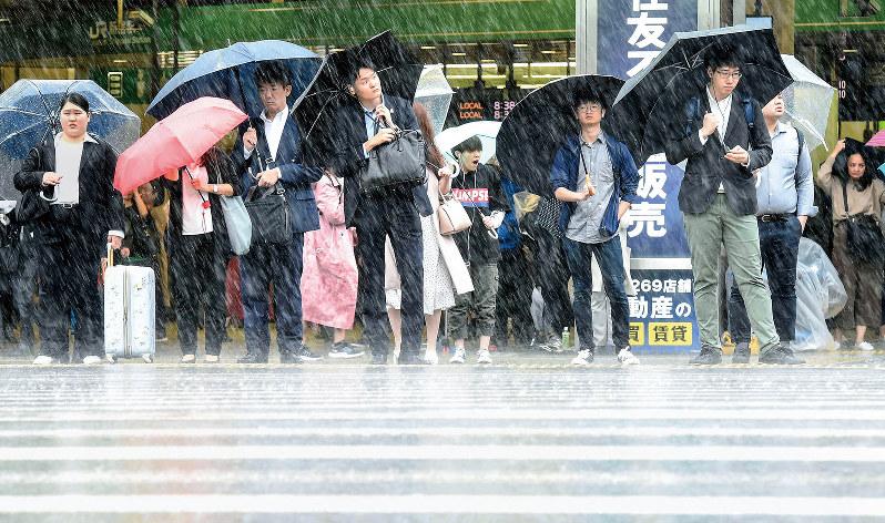 雨が多く、肌寒い日が続いた東京都心