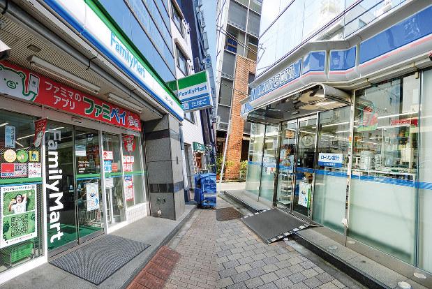 ローソン(右)事業を持つ三菱商社と、ファミリーマート(左)事業を持つ伊藤忠商事は、今後、顧客基盤をどう生かすか。