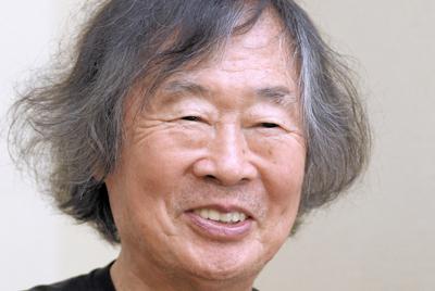 小林研一郎さん=東京都杉並区で、丸山博撮影