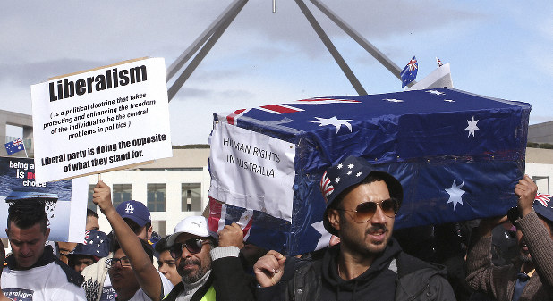 Hundreds of refugees protest outside Australian Parliament - The
