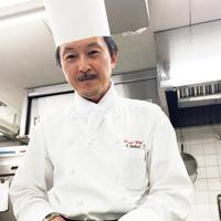 「料理の世界は礼儀。感謝する気持ちがないと先輩にも教えてもらえない」と若いころを振り返る中埜智史さん=京都市下京区のホテル日航プリンセス京都で、今西拓人撮影