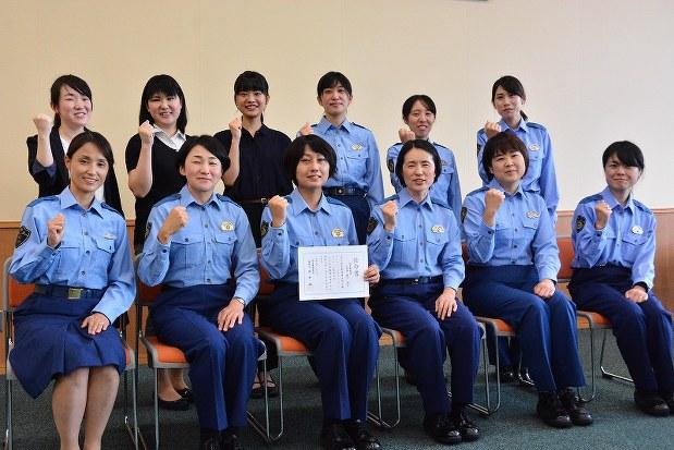 福井署:女性警官の広報チーム「ぐっ女ぶ☆ふくい」任命式 /福井 ...