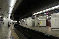 アクロバティックな列車さばきが繰り広げられる名鉄名古屋駅(筆者撮影)