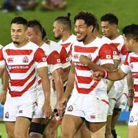 【日本―米国】試合に勝利し笑顔を見せる日本の選手たち=フィジー・スバで2019年8月10日、藤井達也撮影
