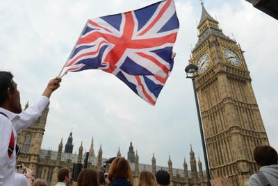 英議会議事堂の時計台「ビッグベン」=ロンドンで、望月亮一撮影