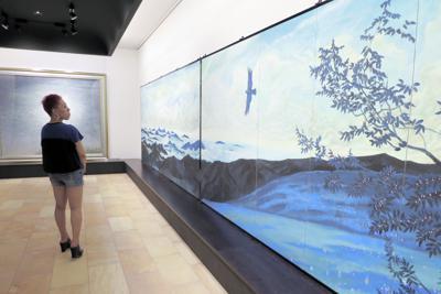 青を基調とした日本画の展覧会=東京都目黒区の郷さくら美術館で、小川祐希撮影