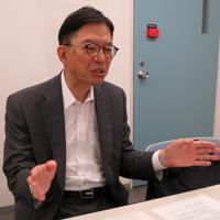 フリーランスの実情について話す鎌田耕一・東洋大名誉教授=東京都文京区の東洋大で