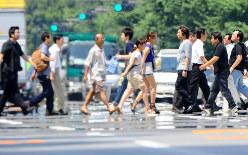 「逃げ水」が見えるほど熱くなった路面