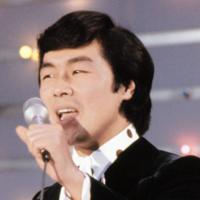 1973年には「夜空」で第15回日本レコード大賞に輝いた=「毎日グラフ」より