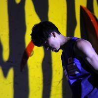 男子複合決勝のボルダリング第1課題をクリア出来ず、厳しい表情の藤井快=東京・エスフォルタアリーナ八王子で2019年8月21日、宮武祐希撮影