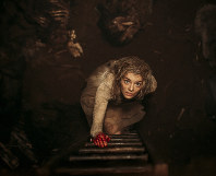 This image provided by Fox Searchlight Pictures shows Samara Weaving in the horror film 'Ready or Not.' (Eric Zachanowich/Fox Searchlight Pictures via AP)