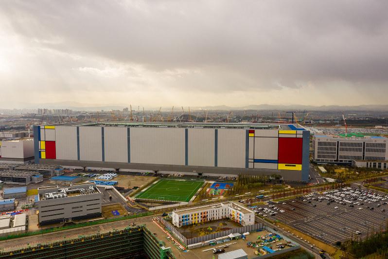 ソウル近郊の平沢(ピョンテク)にあるサムスンのメモリー工場(Bloomberg)