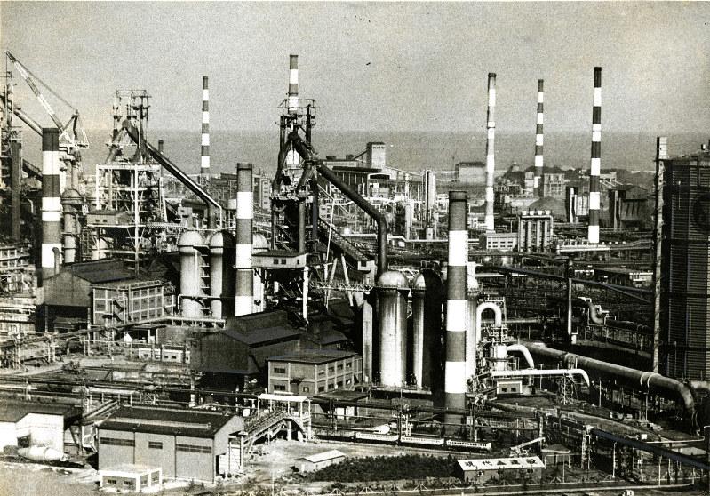 1973年に完成した韓国・浦項市の浦項製鉄(現POSCO)。建設には対日請求権資金の一部が充当された