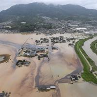 浸水した農地=佐賀県大町町で2019年8月28日午前11時41分、本社ヘリから津村豊和撮影