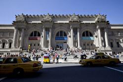 観光客に人気のメトロポリタン美術館(Bloomberg)