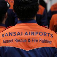 今年新設した「特別災害隊」の隊員たち=関西国際空港で2019年7月、幾島健太郎撮影