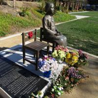 米カリフォルニア州グレンデールに建てられた慰安婦像=2014年9月9日、堀山明子撮影
