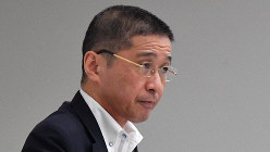 記者会見で自身の辞任について説明した日産自動車の西川広人社長=2019年9月9日、宮間俊樹撮影