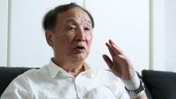 先端産業でイノベーションが必要と説く金子勝・立教大特任教授=東京都豊島区で、吉田航太撮影