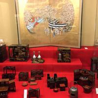 花見で使われていた江戸時代の弁当箱=京都市東山区のお辨當箱博物館で、前本麻有撮影