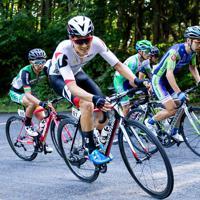 3位に入った近谷涼(チームブリヂストンサイクリング)が心臓破りの坂を登る=JBCF提供