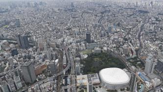 東京はじめ3大都市圏では地価の上昇が続く=東京都文京区で9月17日、本社ヘリから