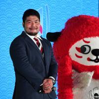 ファンゾーンの内覧会で登壇した畠山健介選手(左)=東京都千代田区で2019年9月19日午後5時10分、根岸基弘撮影