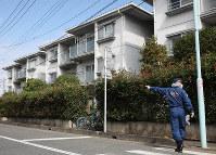 The apartment block where the body of 9-year-old Ryosuke Shindo was found is pictured in Saitama's Minuma Ward on the morning of Sept. 18, 2019. (Mainichi/Junichi Sasaki)