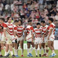 【日本―ロシア】開幕戦に勝利し、笑顔を見せる日本の選手たち=東京・味の素スタジアムで2019年9月20日、藤井達也撮影