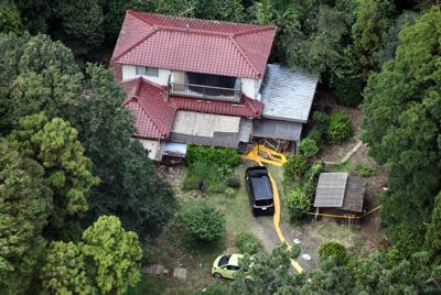 夫婦が死亡しているのが見つかった住宅=茨城県境町で2019年9月23日午後0時34分、本社ヘリから北山夏帆撮影