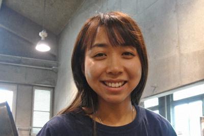 間渕千夏さん=富山市古沢の富山ガラス工房で、青山郁子撮影
