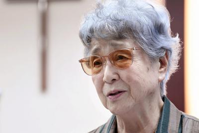 2000年から始まった「横田早紀江さんを囲む祈り会」。早紀江さんには「死んでしまった方が楽だ」と思ったときにも、祈りが生きる支えとなってきた=東京都中野区で2019年9月19日午後2時47分、竹内紀臣撮影