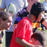 釜石やオーストラリアの高校生を指導するスコット・ファーディー選手=岩手県釜石市で2019年9月24日午後2時8分、和田大典撮影